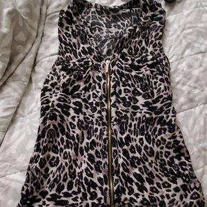 Sleeveless leopard top